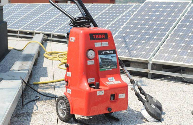 macchina lavaggio fotovoltaico