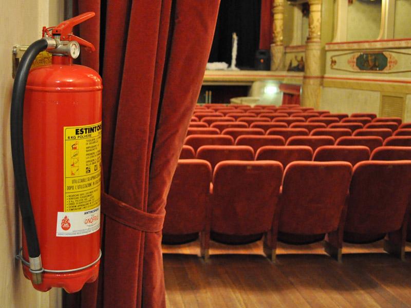 sicurezza alto rischio in teatro
